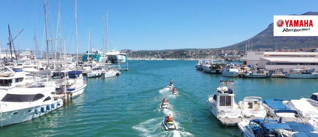 Moto de agua en puerto